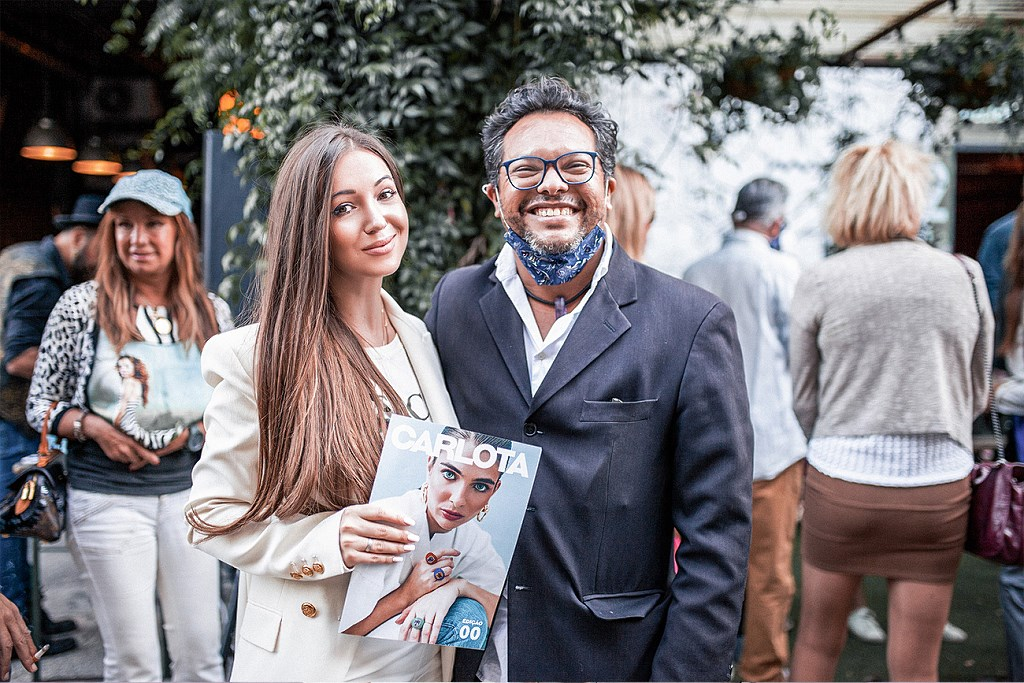 Elvira Gavrilova oraz redaktor naczelny Carlota Magazine  Alexandre Gomes, (Lizbona, 2020)
