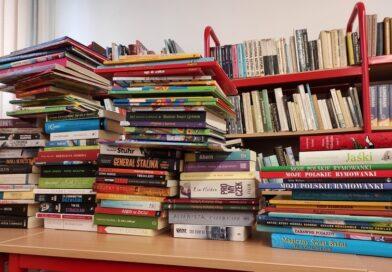 Hrubieszowska trójka wysłała książki potrzebującym