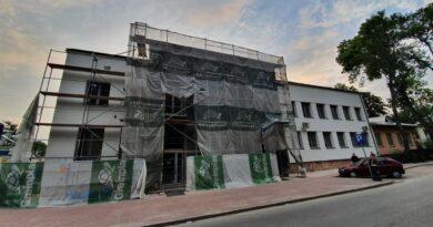 Hrubieszów: Remont budynku Urzędu Miasta zmierza ku końcowi – ZDJĘCIA