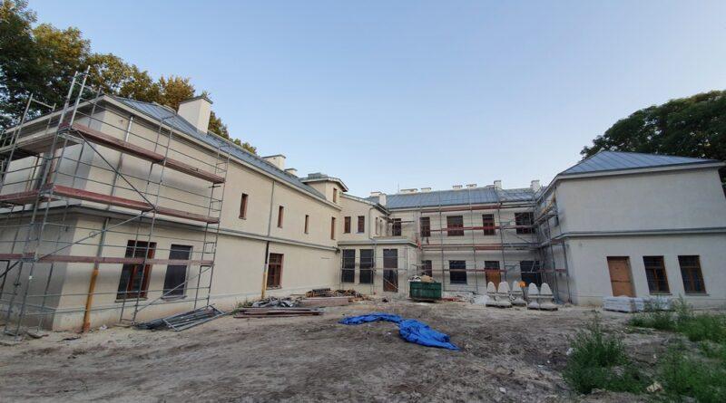 Hrubieszów: Remont budynku Syndykatu Rolniczego c.d. – ZDJĘCIA